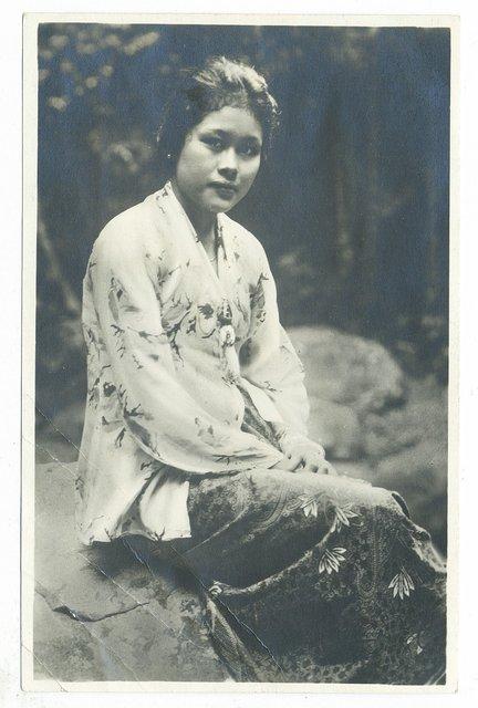 w005-malay-woman.jpg